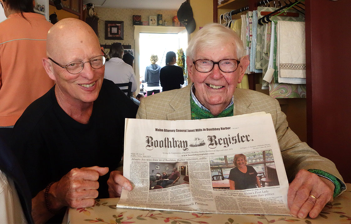 Two Chapel Hillians in Maine: Mr. Joke joins UNC legend Dr. William Leuchtenburg, 94, in admiring the Boothbay Harbor Register while on vacation in Maine. (Lynne Vernon photo)