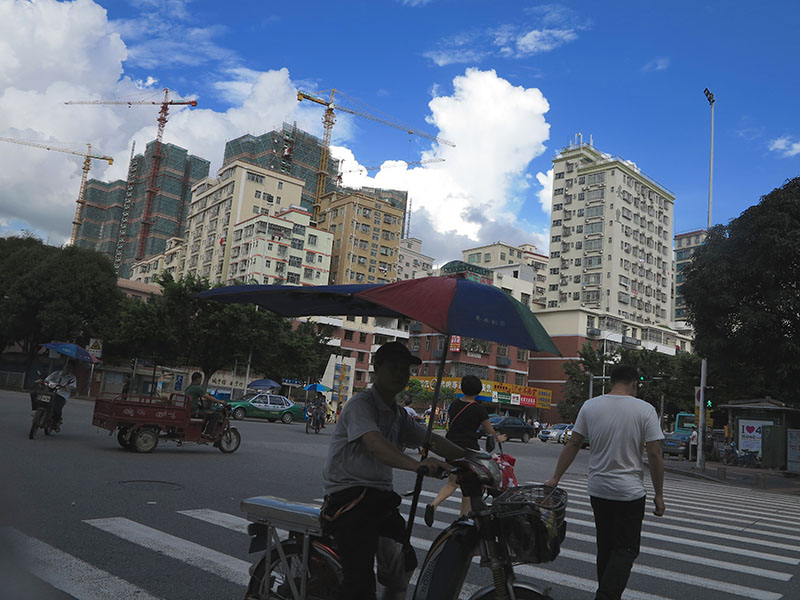 """The Shenzhen skyline: Cranes and """"ice cream castles in the air."""" (Jock Lauterer photo)"""